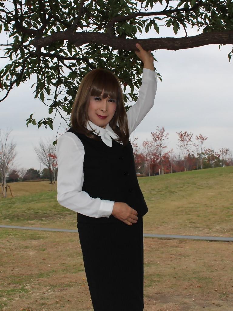 黒のOL服E(1)
