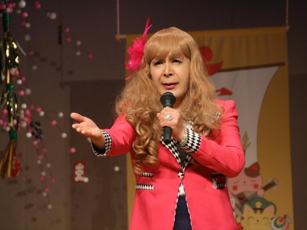 赤ジャケット紺マーメイドスカート舞台(15)