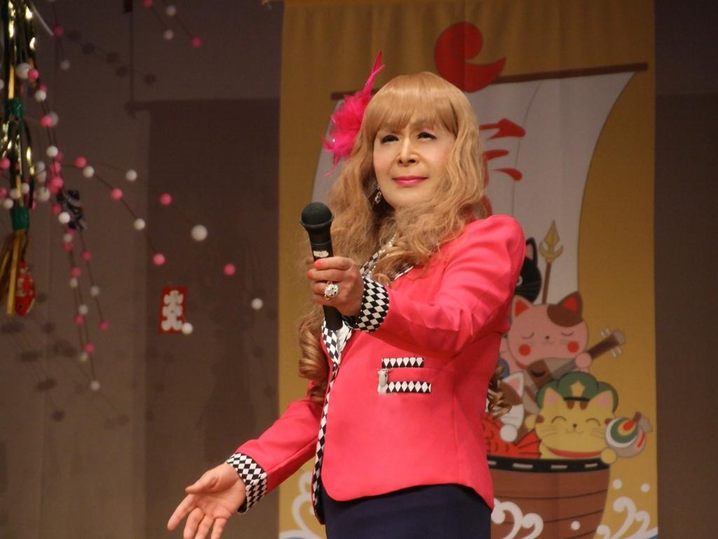 赤ジャケット紺マーメイドスカート舞台(16)