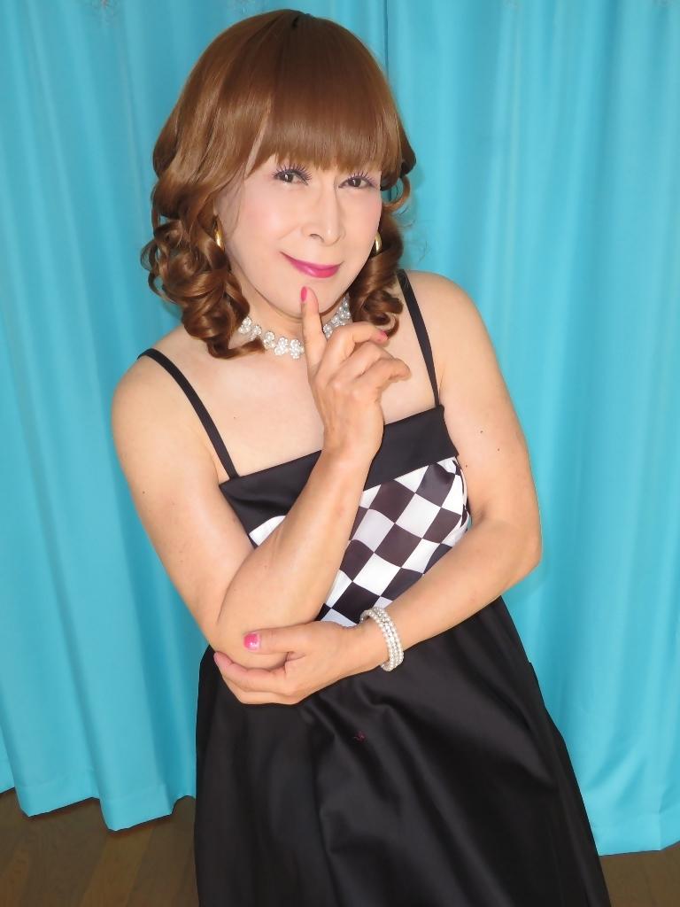 胸白黒ダイヤ模様ドレスC(1)