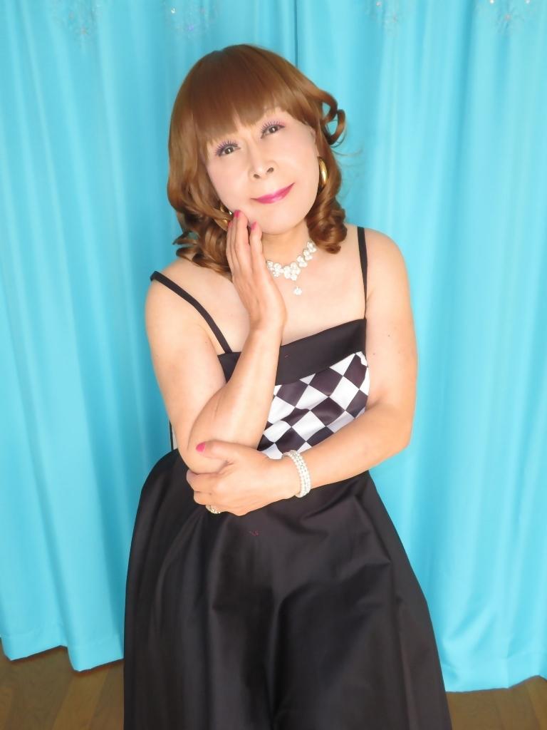 胸白黒ダイヤ模様ドレスC(4)