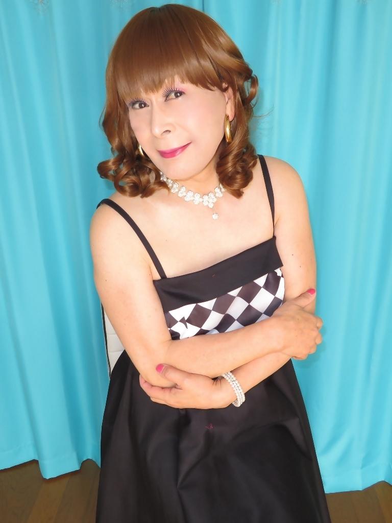 胸白黒ダイヤ模様ドレスC(3)