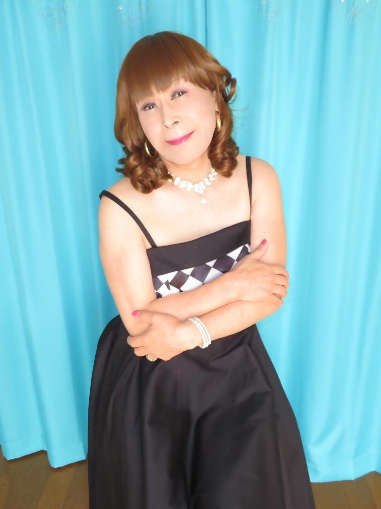 胸白黒ダイヤ模様ドレスC(5)