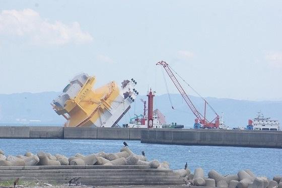 中国_自己昇降式起重機船-19