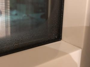 外気温-20℃の窓の結露