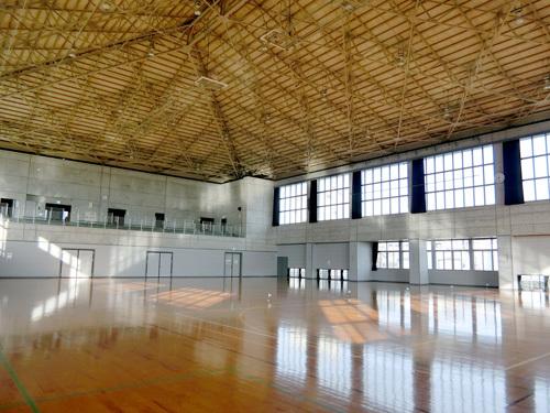 島原体育館の内側。