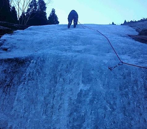三段の滝2ピッチ目-1