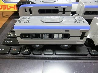 プラレール「E353系量産先行車」の中間車