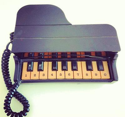 ピアノ電話