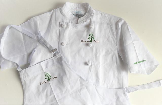 白衣に刺繍 クランパン
