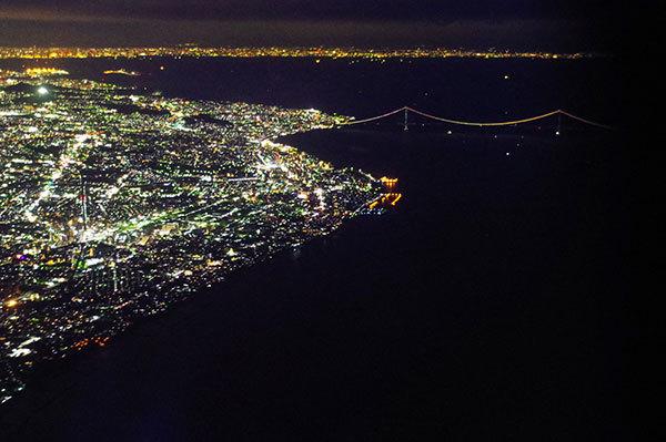 明石海峡のアーチ夜景