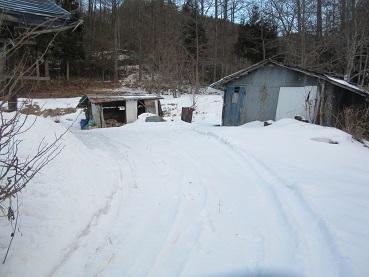 小屋の入り口