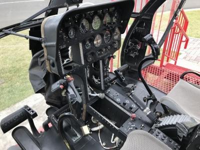 OH-6操縦席