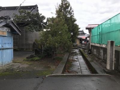 神社北側にある水路