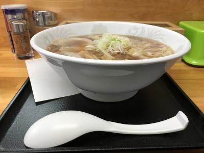 ワンタン麺(横から)