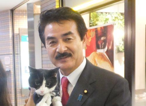 佐藤防衛副大臣 500