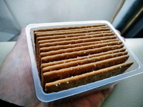 インドネシア製コーヒージョイ ビスケット3
