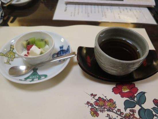 もっちり杏仁、ほうじ茶