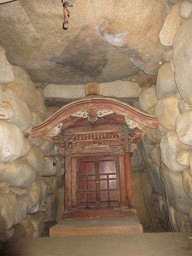 姥塚古墳玄室