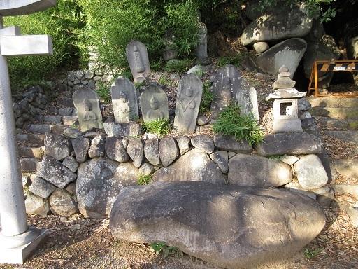 姥塚古墳天井石か