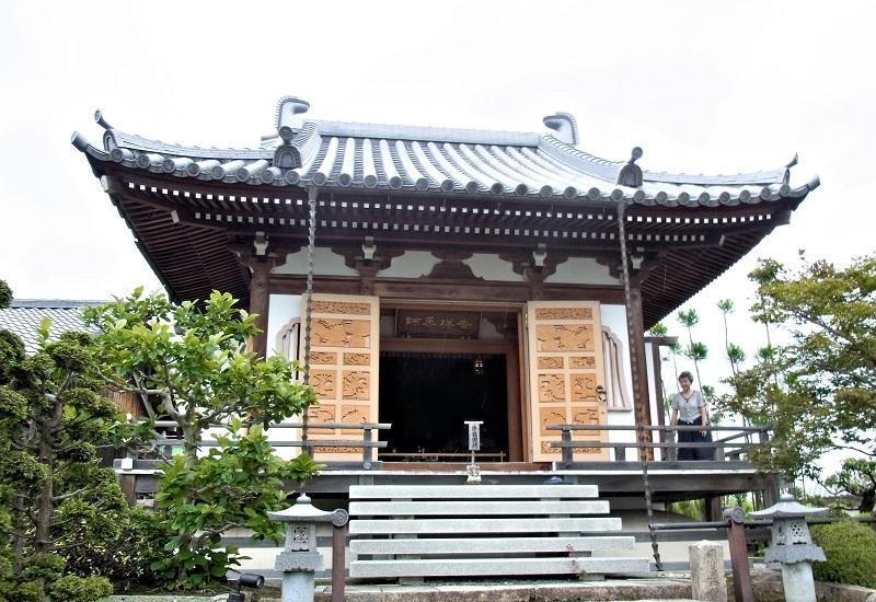 薬薗寺・本堂