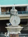 JR倉敷駅 ヴァイキング像4