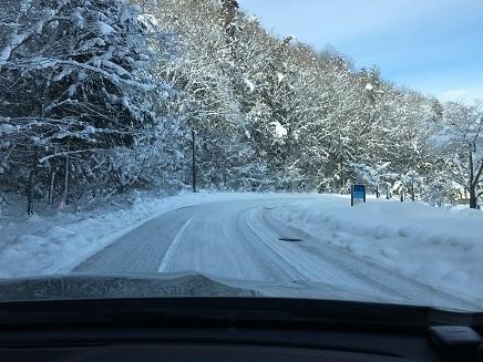 1142018 湯治村雪景色S7