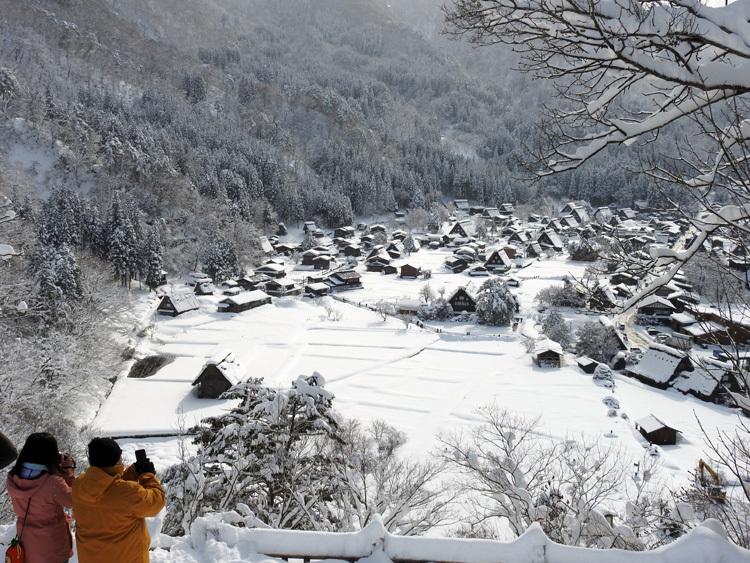 白川郷 澄んだ空気と雪景色が美しい6