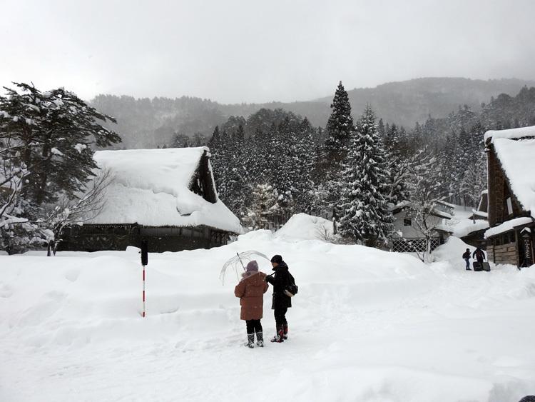冬の最強寒波の猛威が続く白川郷5