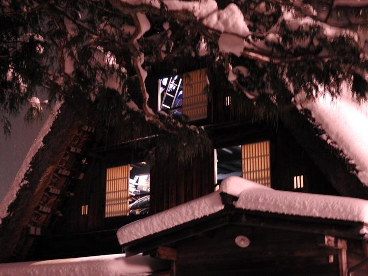 ライトアップ最終日の白川郷2