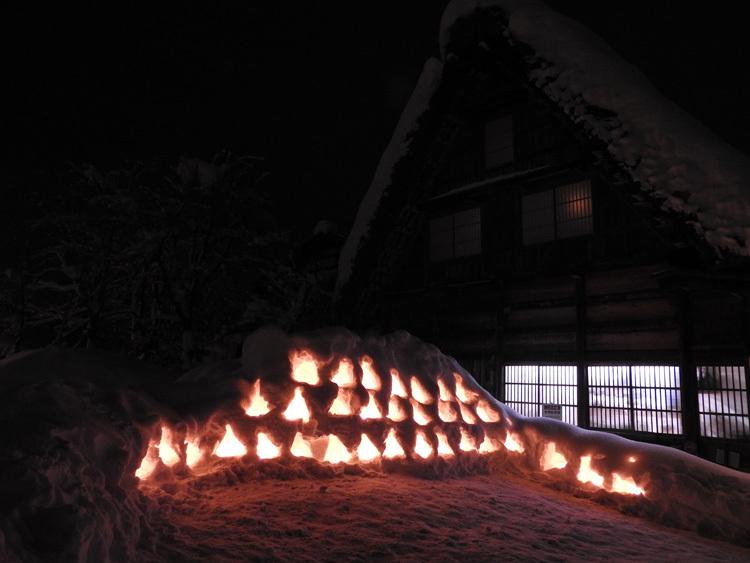 ライトアップ最終日の白川郷11