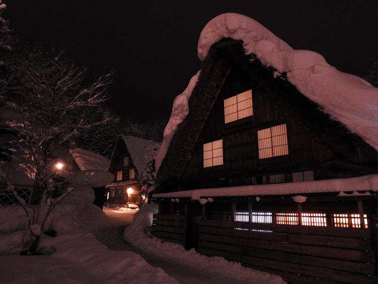 ライトアップ最終日の白川郷12