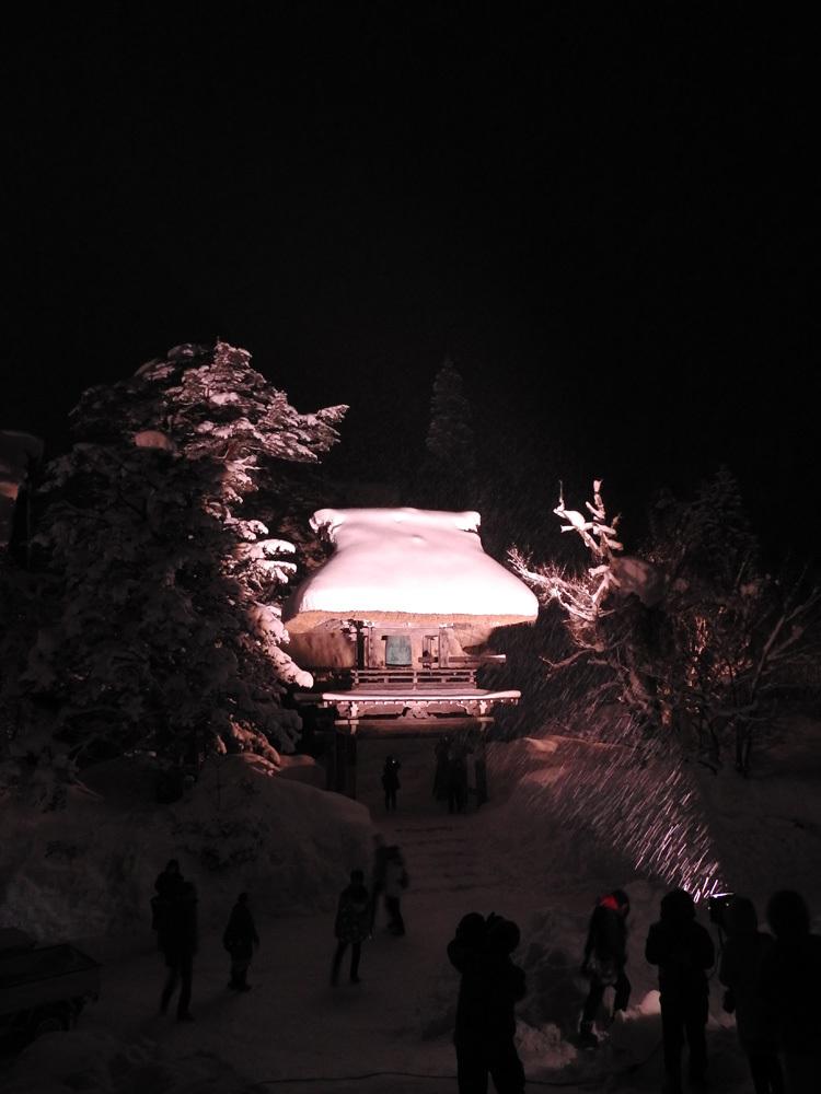 ライトアップ最終日の白川郷13