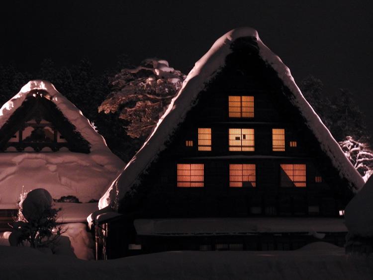 ライトアップ最終日の白川郷14