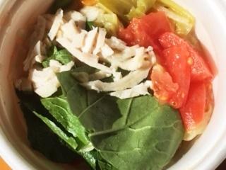 小松菜トマトスープ中
