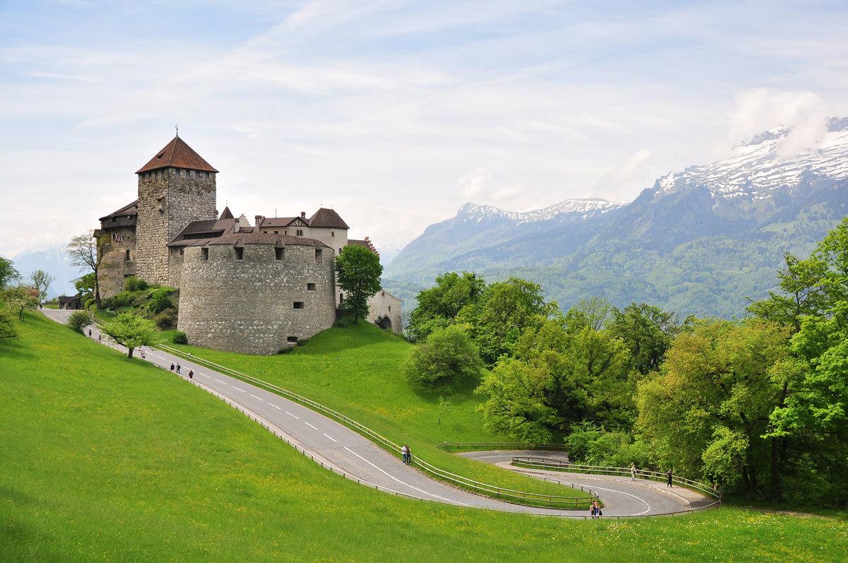 Vaduz_Castle_Liechtenstein.jpg