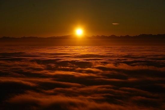 sunrise-1959227_6401.jpg