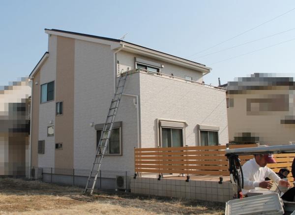 IMG_0358_テラス屋根施工_バルコニーとはしご_まずい