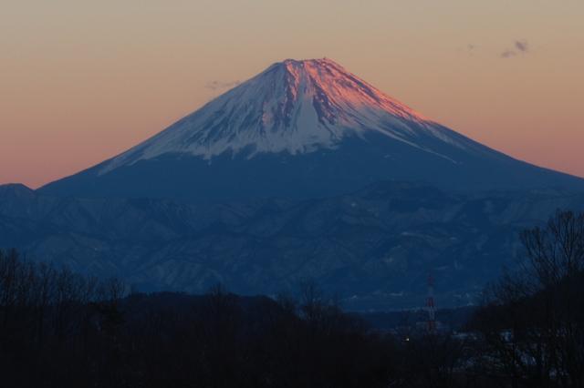 富士山が赤く染まっています。-02