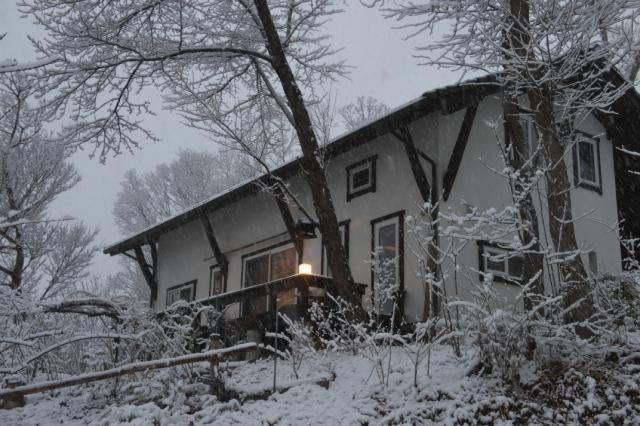 雪の秘密基地-02