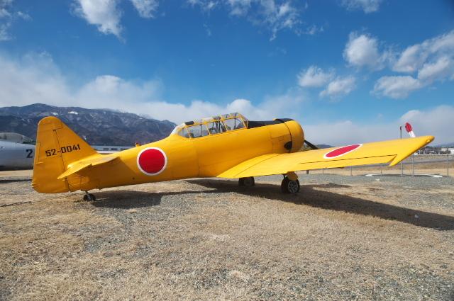T-6練習機-02