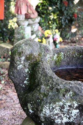 浄音寺の手水鉢