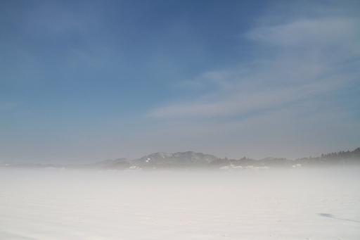 霧に浮かぶ朝日山