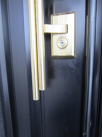 新日軽玄関ドア 鍵交換