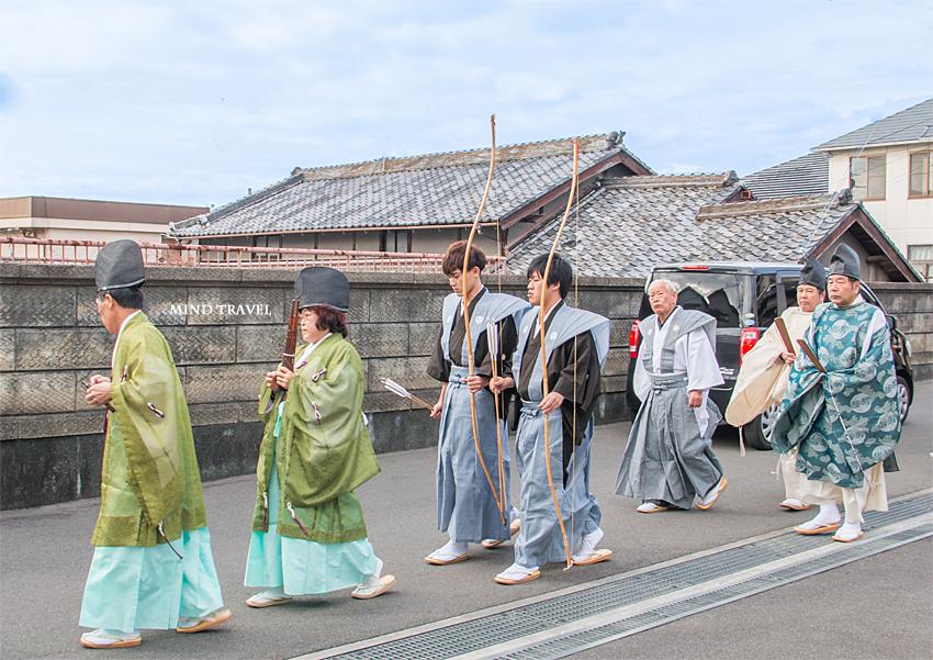 友呂岐神社 お弓行事-行列4