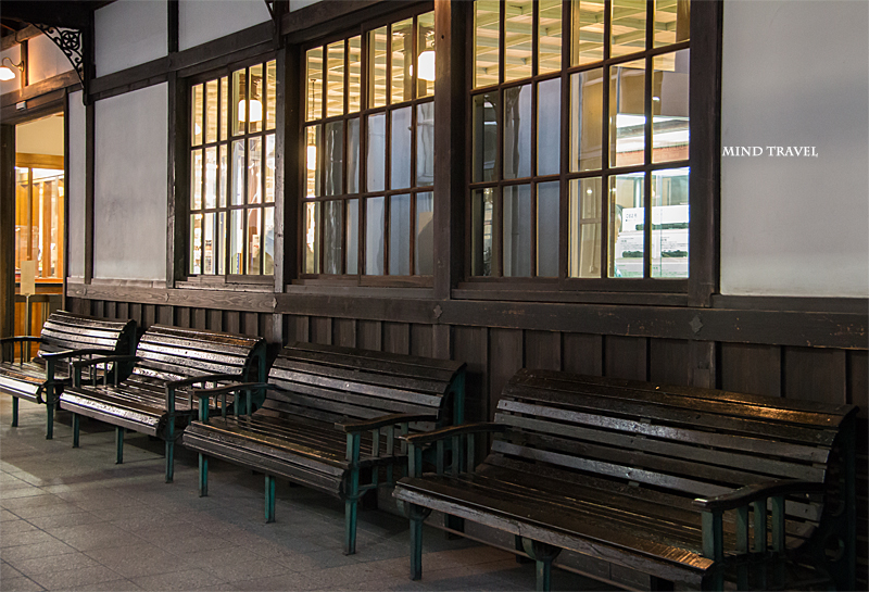 旧二条駅舎 ベンチ