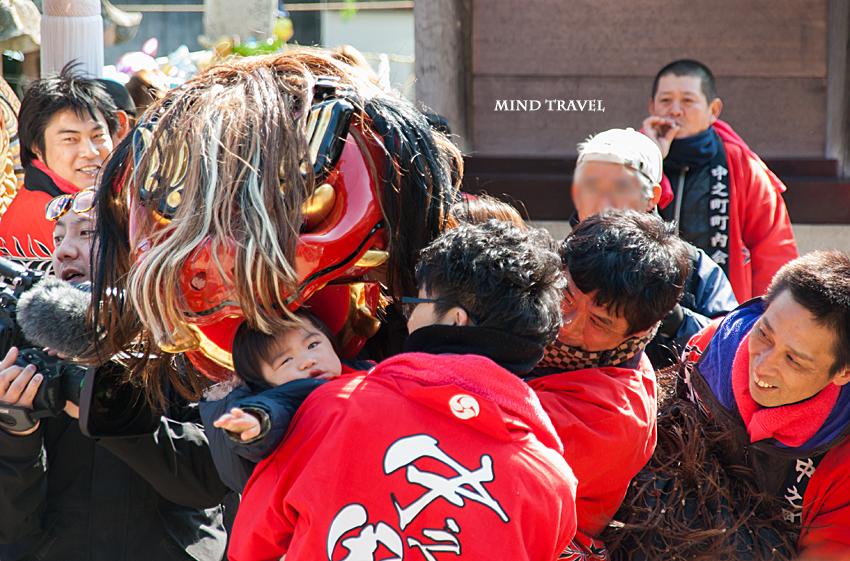 由良湊神社 ねり子祭-獅子と子供