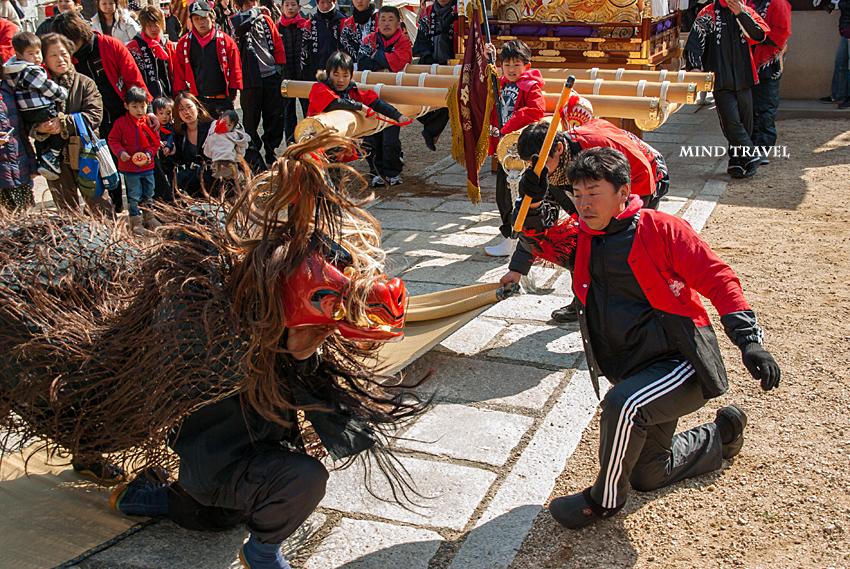 由良湊神社 ねり子祭-獅子