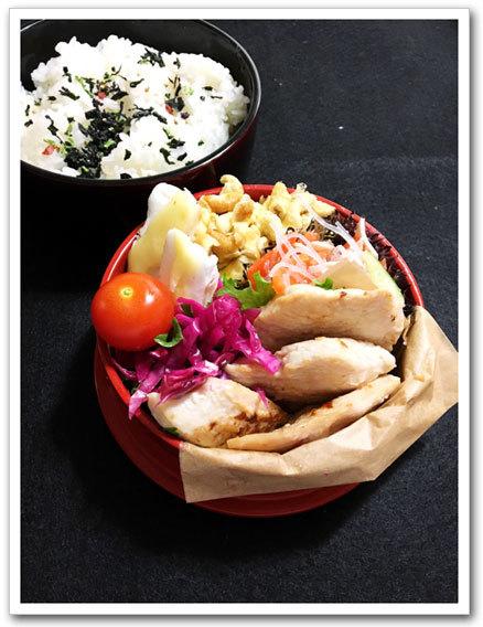 鶏むね肉の塩麹漬け焼き弁当