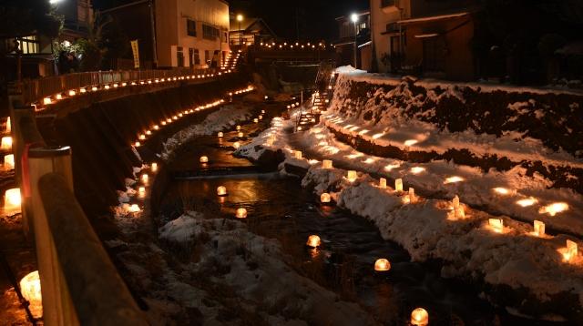 雪灯り散歩路1_川_20180202F_FFF_0428